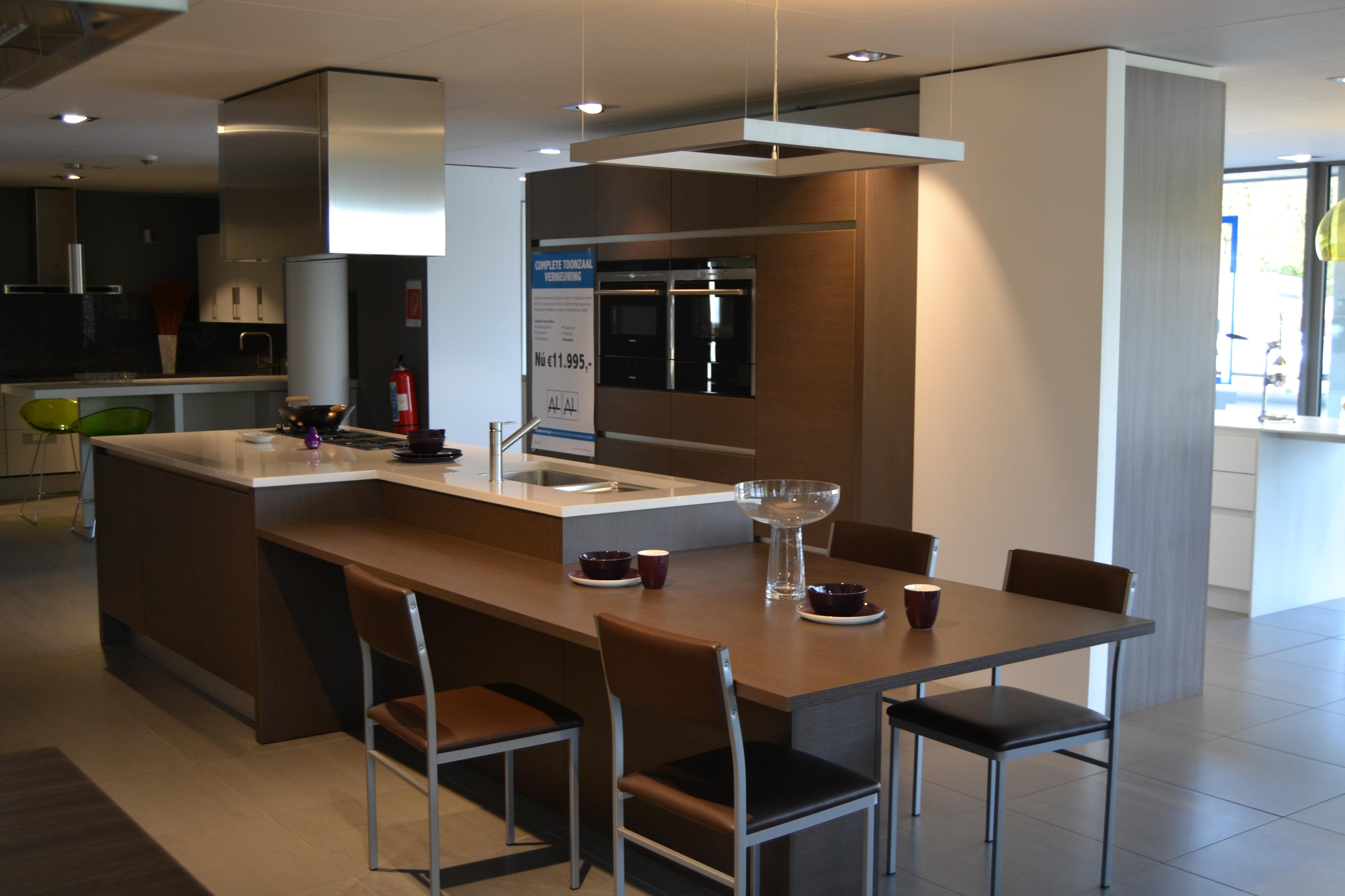 Dsm Keukens Lochristi : Home Keukens Toonzalen Realisaties Ons Bedrijf Trends Dsm